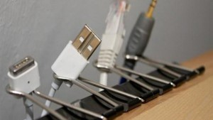 5-keep-cords-with-binder-clips