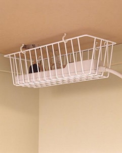 10-keep-cords-with-kitchen-basket